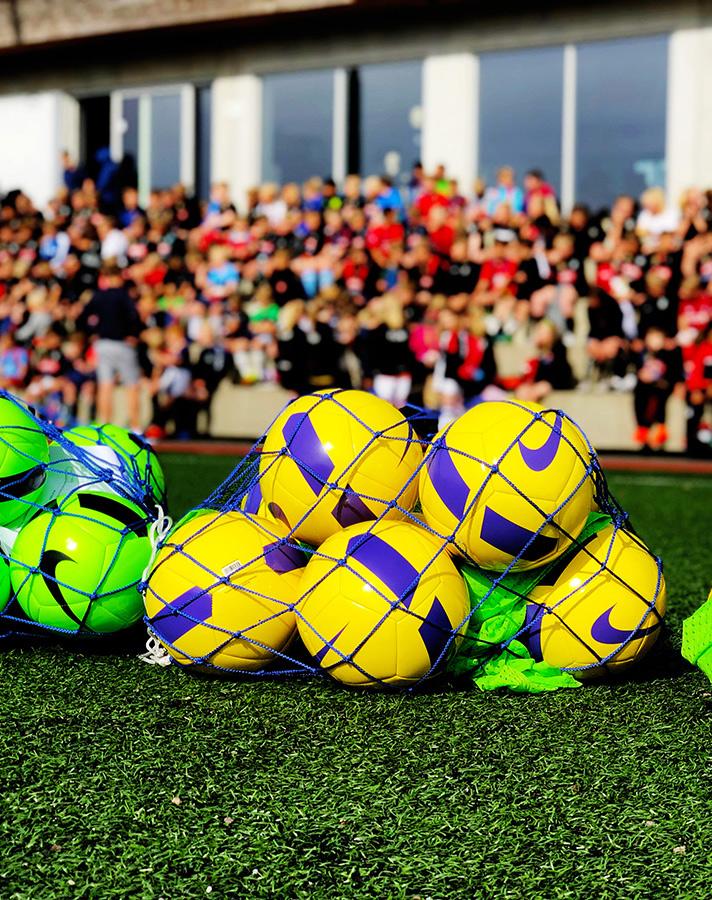 https://www.flintfotball.no/wp-content/uploads/2019/06/TineFotballskole-2019.jpg