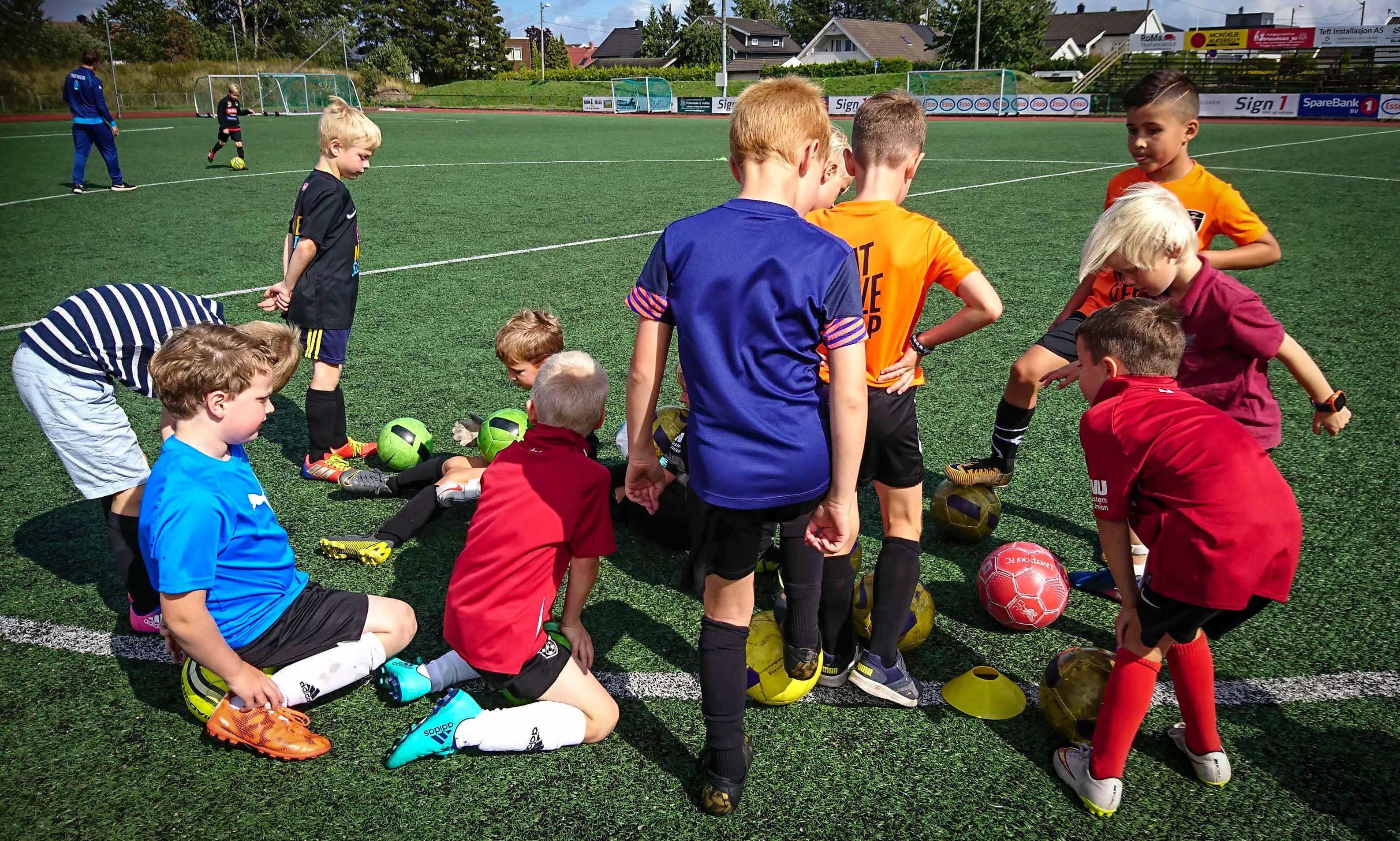 https://www.flintfotball.no/wp-content/uploads/2019/08/FFO-trening.jpg