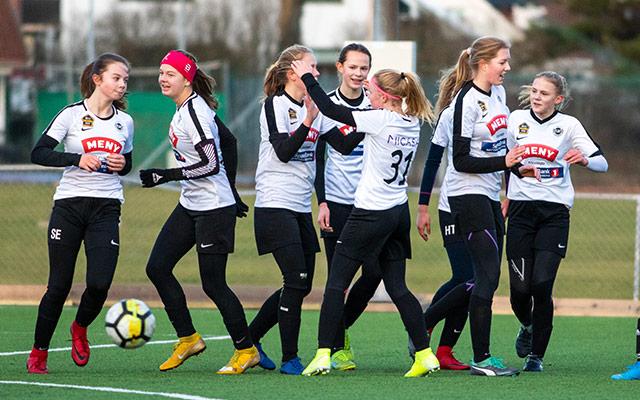 Første treningskamper A-lag damer