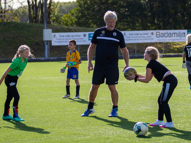 https://www.flintfotball.no/wp-content/uploads/2020/09/Keepertrening-barnefotballen-sept-2020-2-640x480.jpg