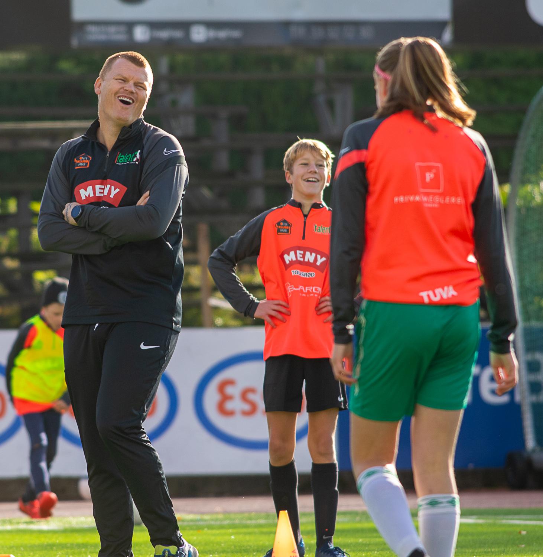 https://www.flintfotball.no/wp-content/uploads/2020/10/JAR-Italent-fotballskole-dag1-37.jpg