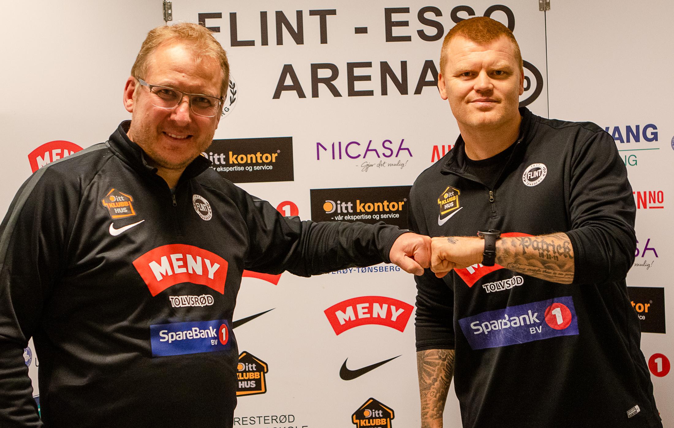 https://www.flintfotball.no/wp-content/uploads/2020/11/John-Arne-Riise-Espen-Rokaas-Flint-Fotball-2.jpg